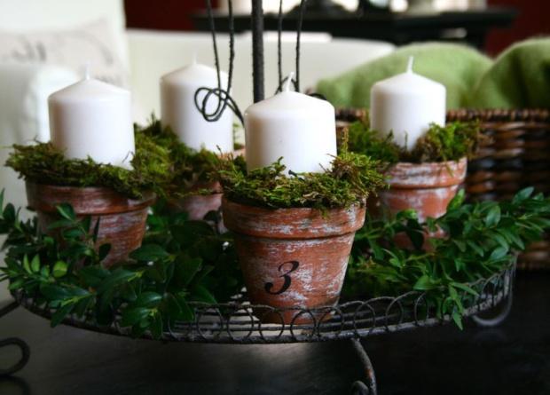 Las 4 velas están compradas en IKEA. He comprobado que te duran todo el Adviento y la Navidad.
