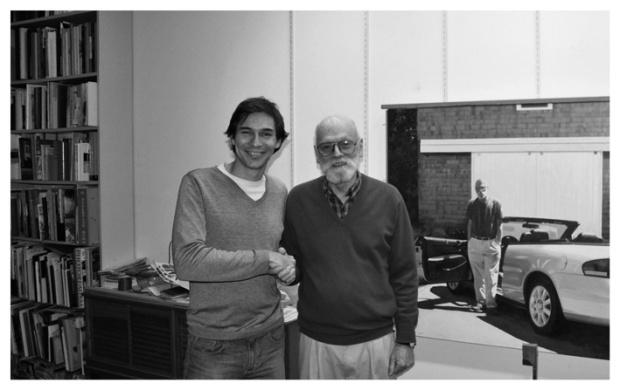 Luis Pérez (España, 1978) junto al gran pintor y pionero del fotorrealismo americano Robert Bechtle.