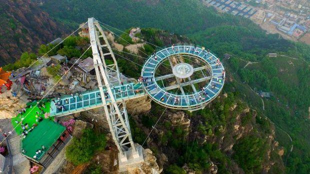 Mirador transparente más grande del mundo. Shilinxia. China