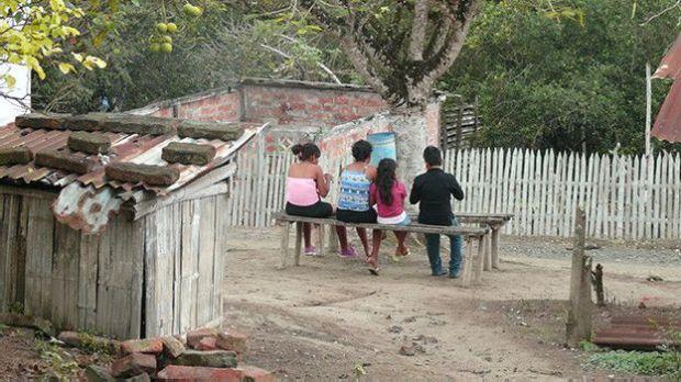 Pile es un pueblo de casas bajas y calles de barro