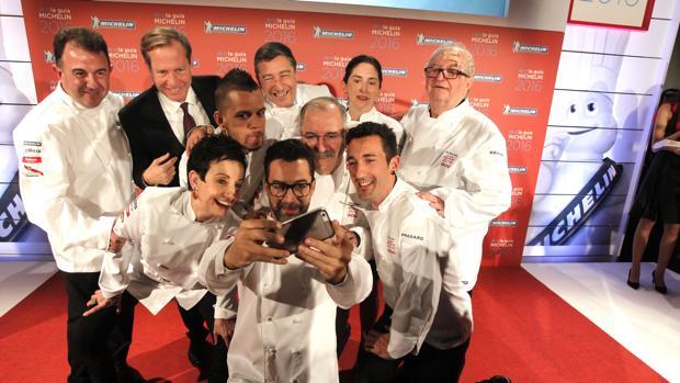 Cocineros españoles en la gala de la Guía Michelin de noviembre de 2015. (EFE)