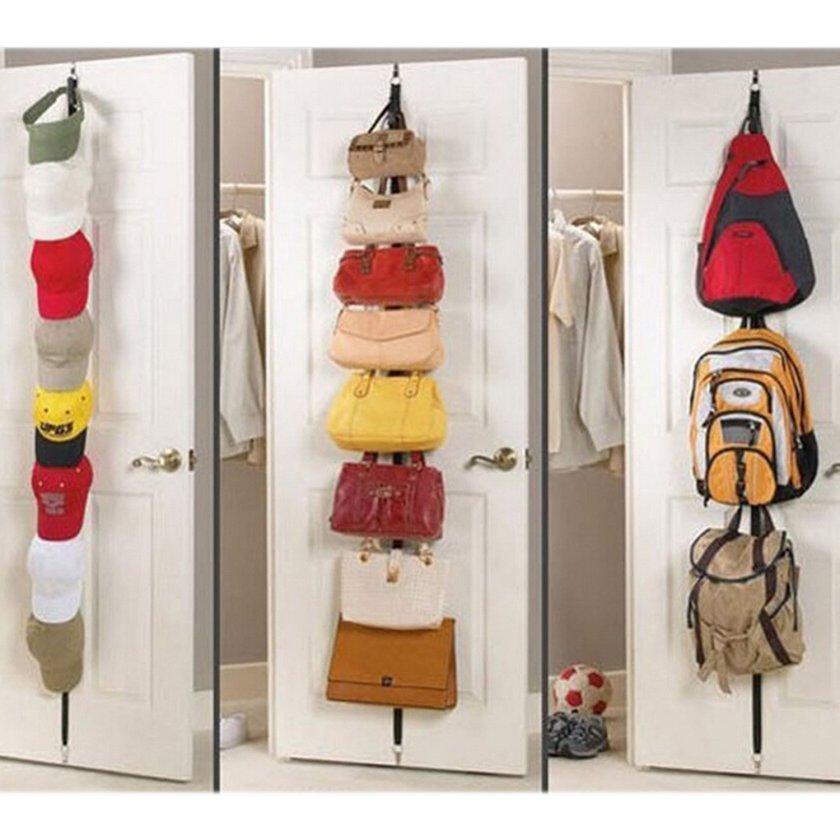 Gorras y mochilas organizadas