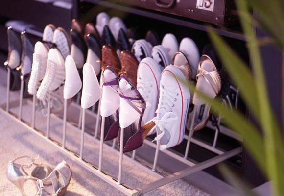 Zapatos Organizados: Percheros para tener los zapatos organizados en tu armario.
