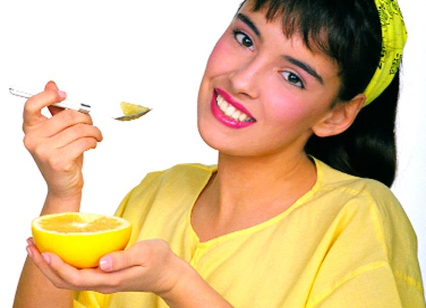 Incluir el pomelo en la dieta es saludable. dsalud.com
