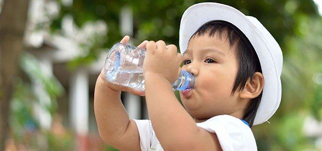 El consumo de agua para niños de menos de 14 años es de 1,5