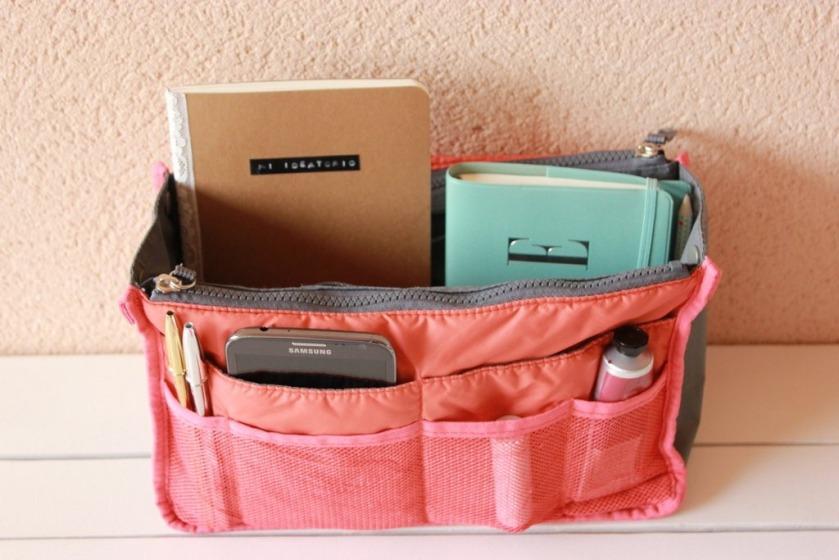 Las ventajas de tener un bolso organizado.